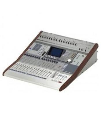 Tascam DM-3200
